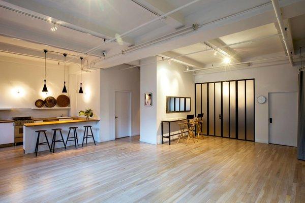 Photography Studio - New York City #NewYork  #interiordesign #architecture #architects #photography #light #studio #contemporary #modern #tomdixon #kitchen #nyc #usa #design #nice #inspiration #designer #interiordesigner #furniture #interior  Photo 7 of Photography Studio modern home