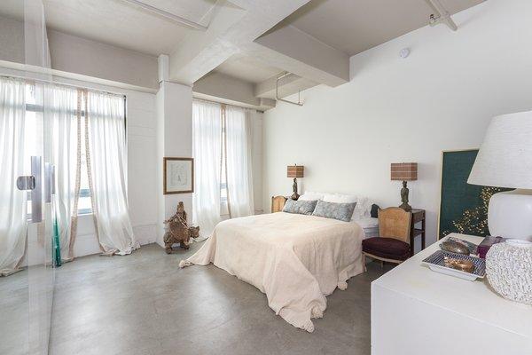 Photo  of Eastern Columbia Lofts, 511 modern home