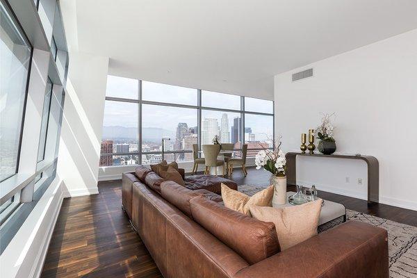 Photo  of Ritz-Carlton Residences at LA LIVE, 47G modern home