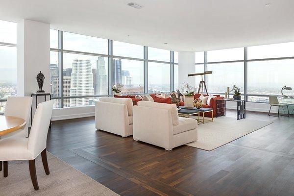 Photo 3 of Ritz-Carlton Residences at LA LIVE, 47G modern home