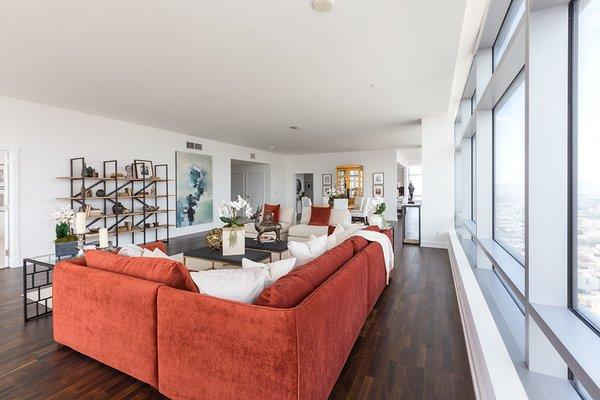 Photo 12 of Ritz-Carlton Residences at LA LIVE, 47G modern home