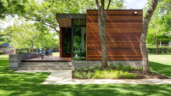 Photo  of Lake Austin Cabin modern home