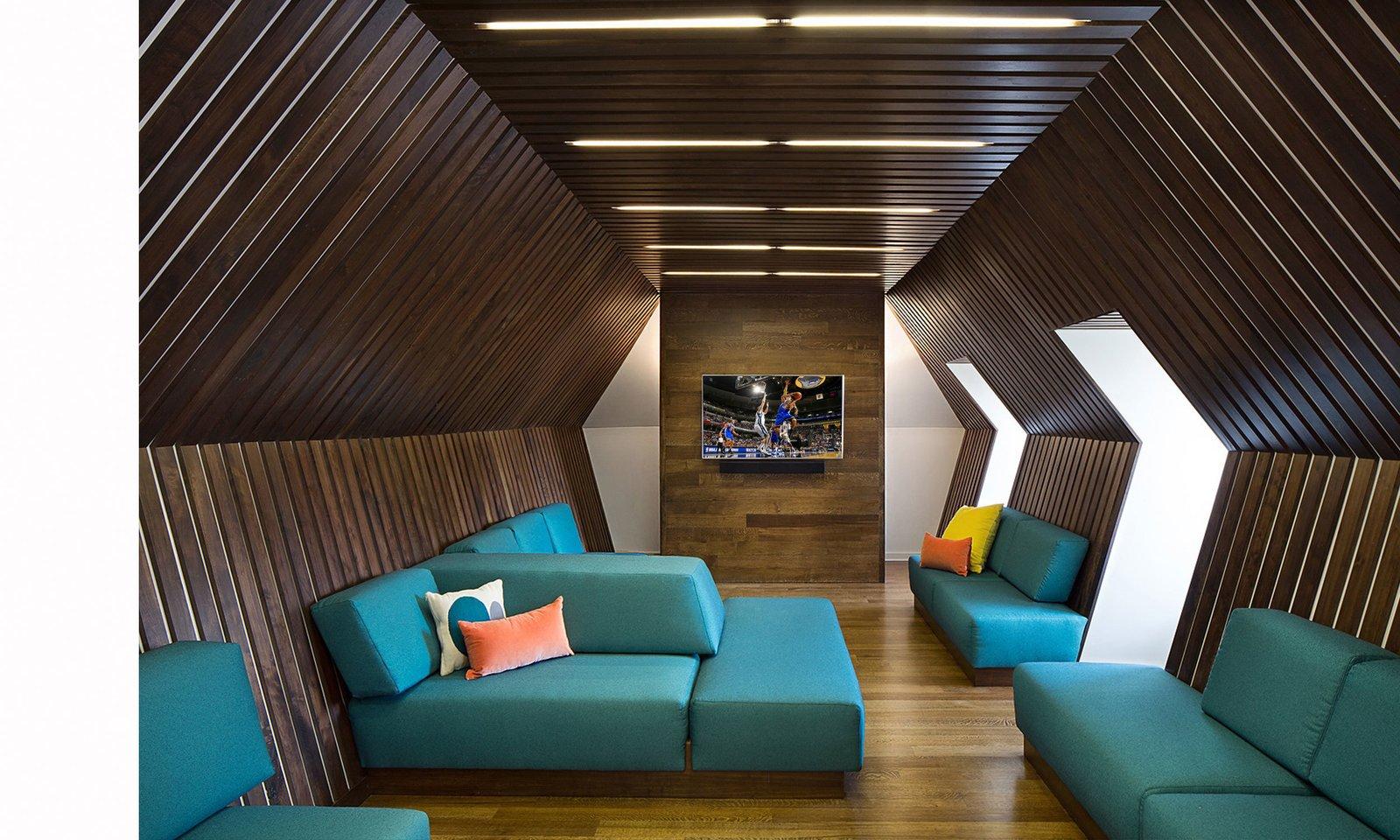 NBA Player Home Tagged: Living Room, Sofa, and Sectional.  Best Photos from R E S I D E N T I A L