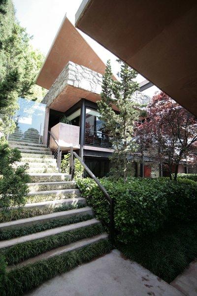 Photo 3 of Casa Lau modern home