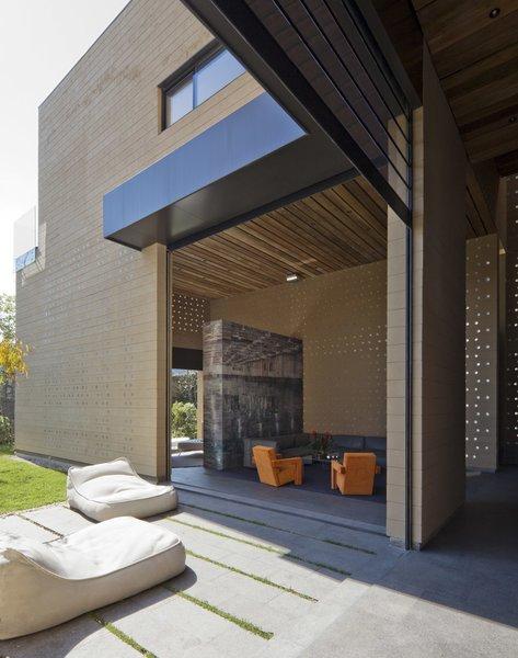 Photo 2 of Casa Tierra modern home