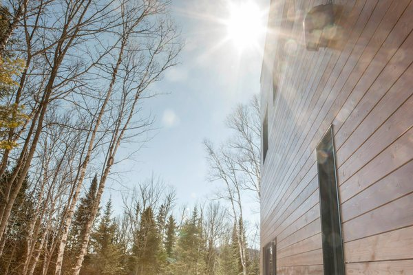 Photo 4 of Cubic house in the Laurentian forest modern home