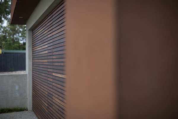 Spotted Gum Garage Door Photo 8 of Pod Residence modern home