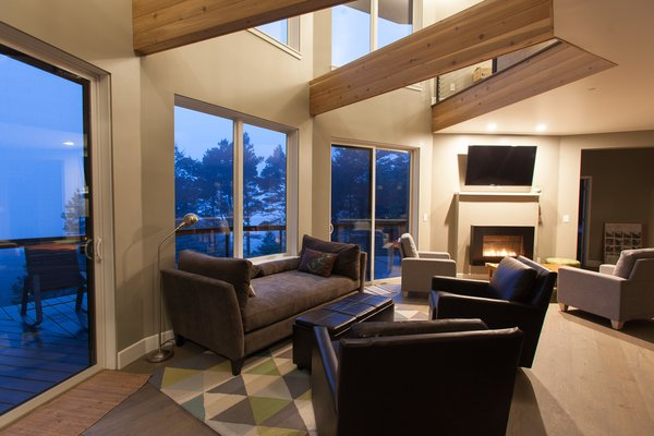 Because of Deltec Homes' self-supported roof system, there are no load bearing interior walls. Therefore, the floorplan possibilities are limitless.  Photo 2 of Round House in Wine Country modern home