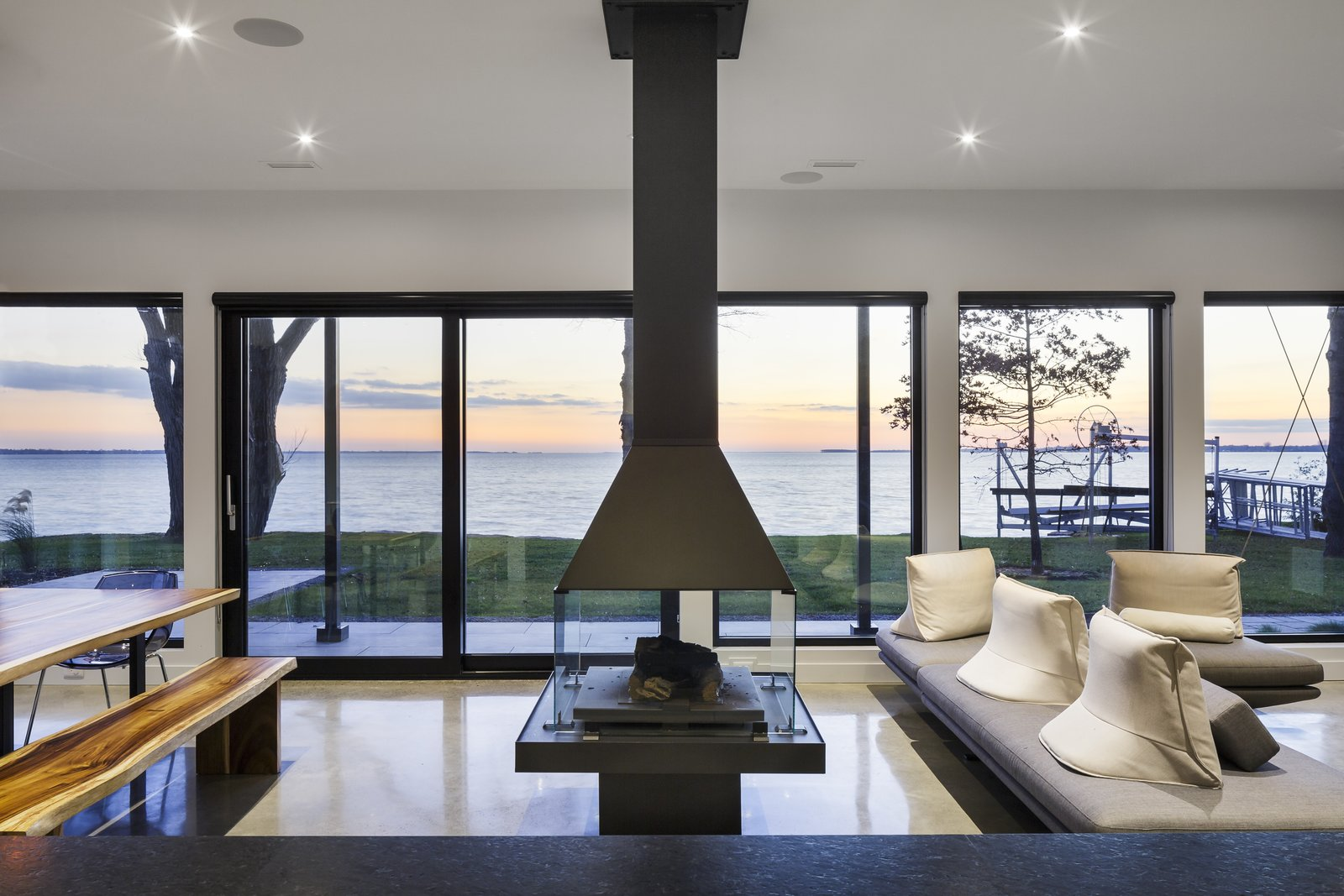 Prefab Homes by Dwell from Water front Modern home