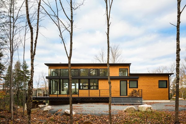 Photo  of The Laurentians Residence modern home