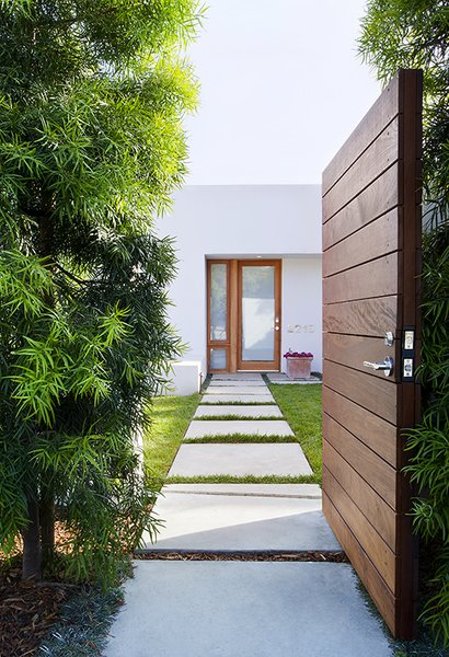 Modern home with outdoor. Photo 2 of Elise
