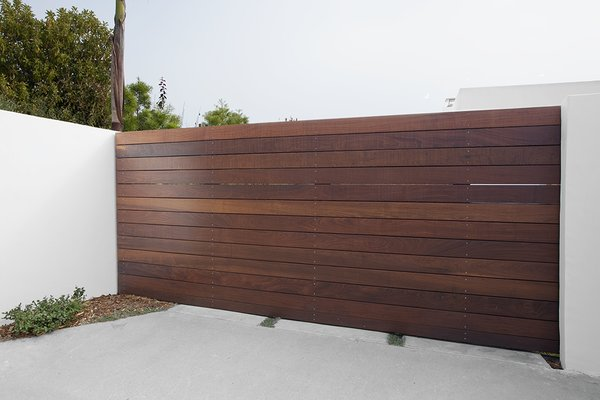 Modern home with outdoor and front yard. Photo 3 of Elise