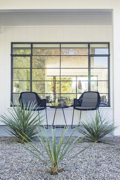 Modern home with outdoor. Photo 10 of Vista De la Cumbra