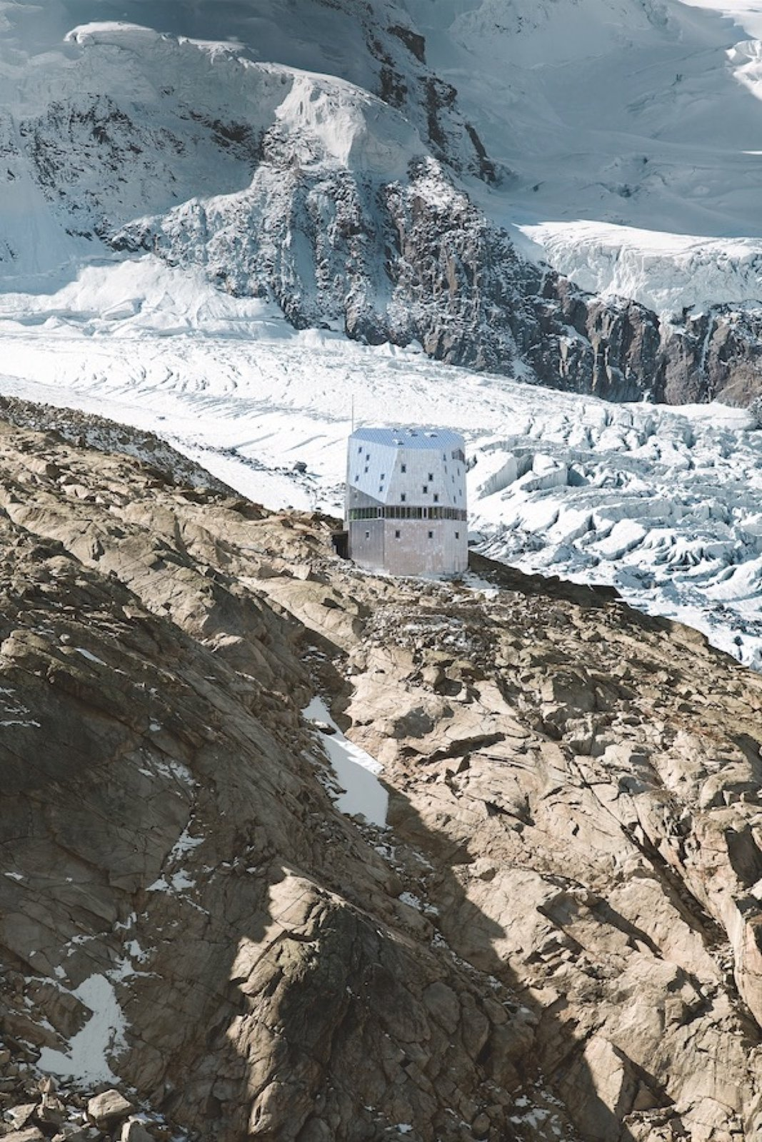 #alpinemodern #design #lifestyle #modern #elevatedliving #quiestdesign #monterosahut #swiss #alps #matterhorn #switzerland #zermatt   Head for Heights: Monte Rosa Hut by Alpine Modern