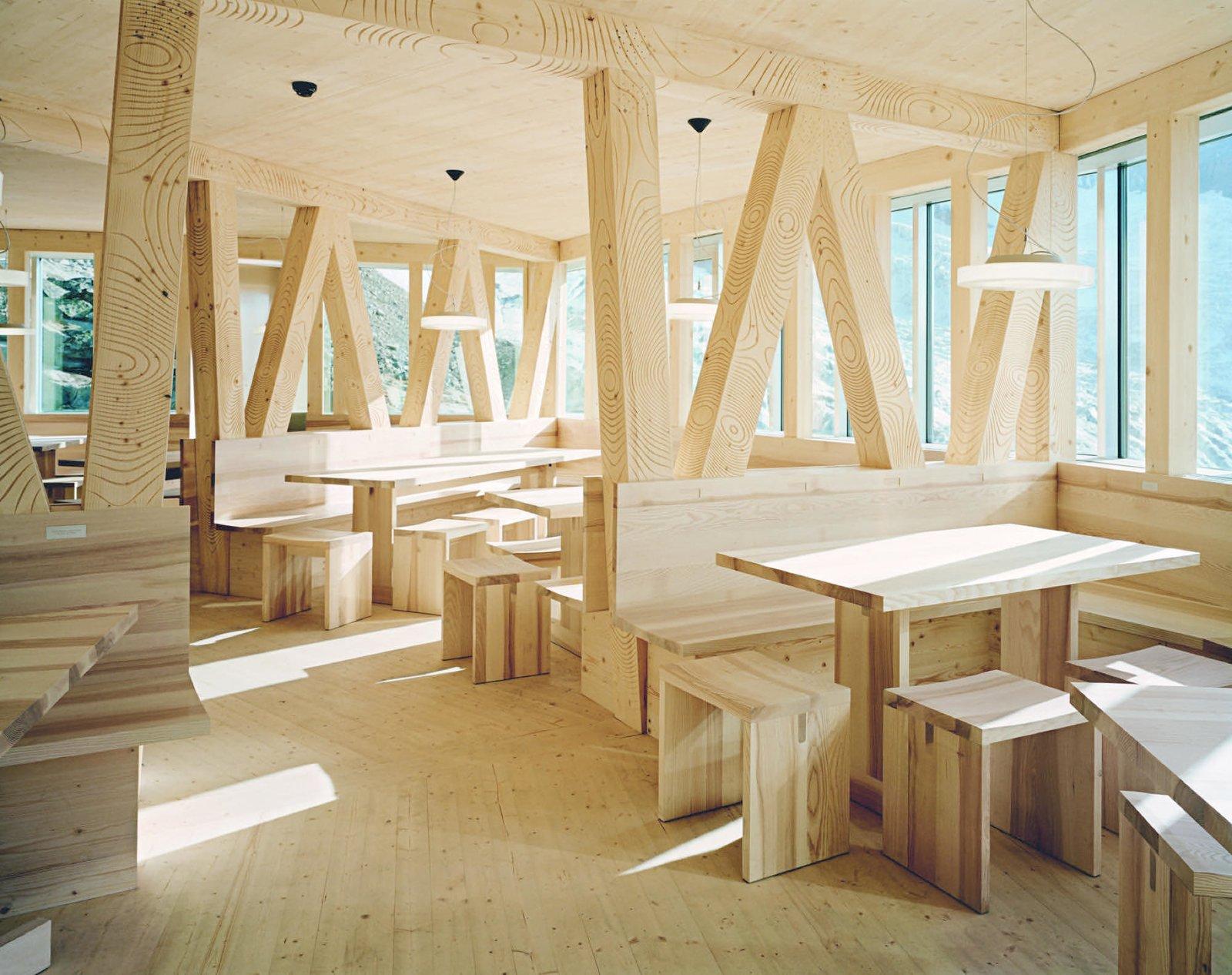 #alpinemodern #design #lifestyle #modern #elevatedliving #quiestdesign #monterosahut #swiss #alps #matterhorn #switzerland #zermatt
