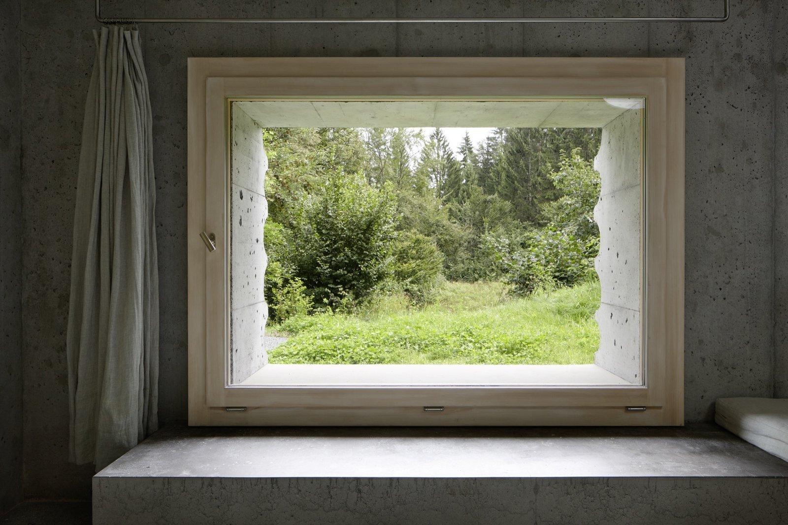 #alpinemodern #design #lifestyle #modern #elevatedliving #quiestdesign #refugeinconcrete #concrete   Photo courtesy of Ralph Feiner