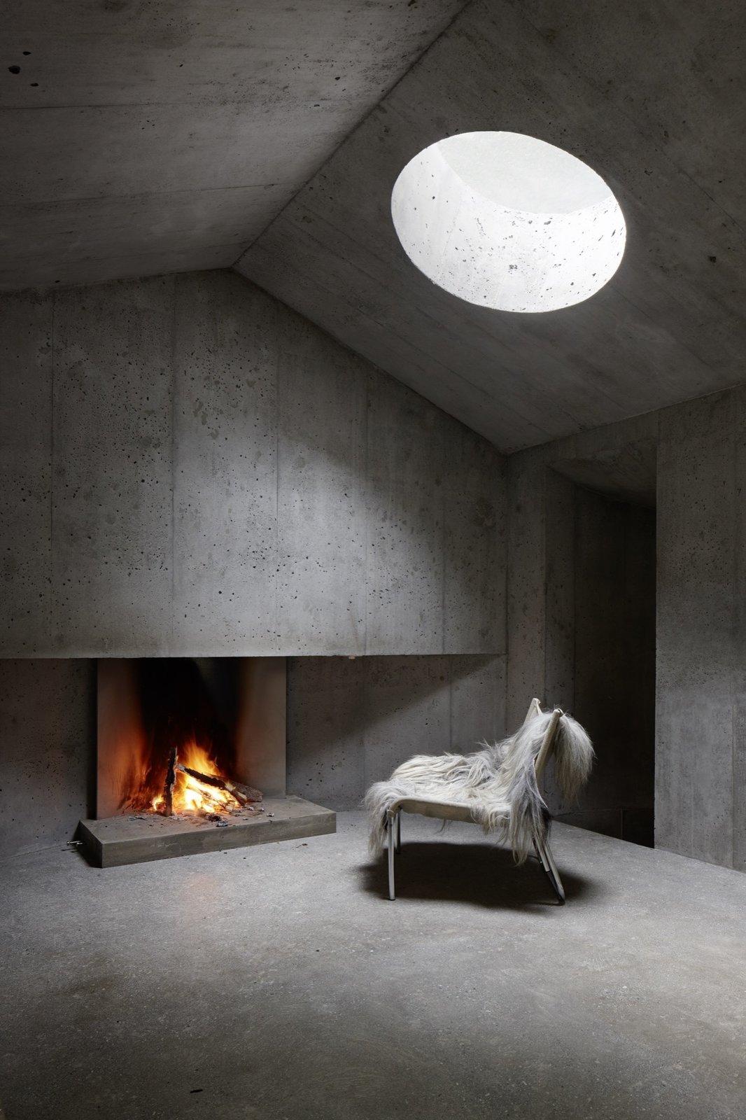 #alpinemodern #design #lifestyle #modern #elevatedliving #quiestdesign #refugeinconcrete #concrete   Photo courtesy of Ralph Feiner  Refuge in Concrete by Alpine Modern