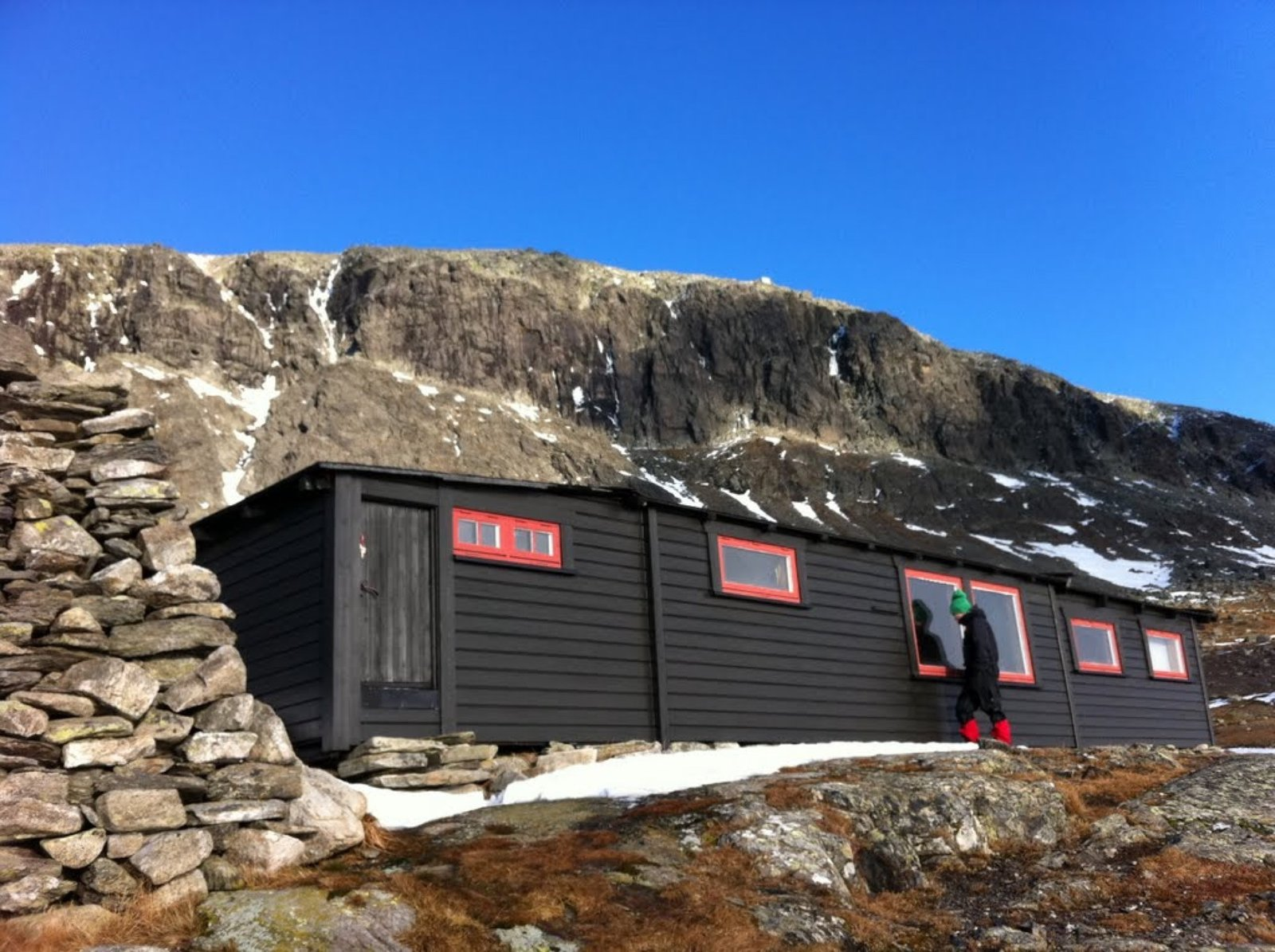 Tvergastein Hut  Photo 4 of 12 in Slow Architecture