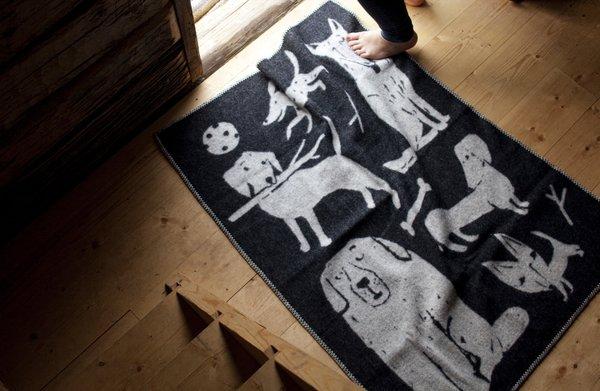 Lapuan Kankurit KOIRAPUISTO wool blanket