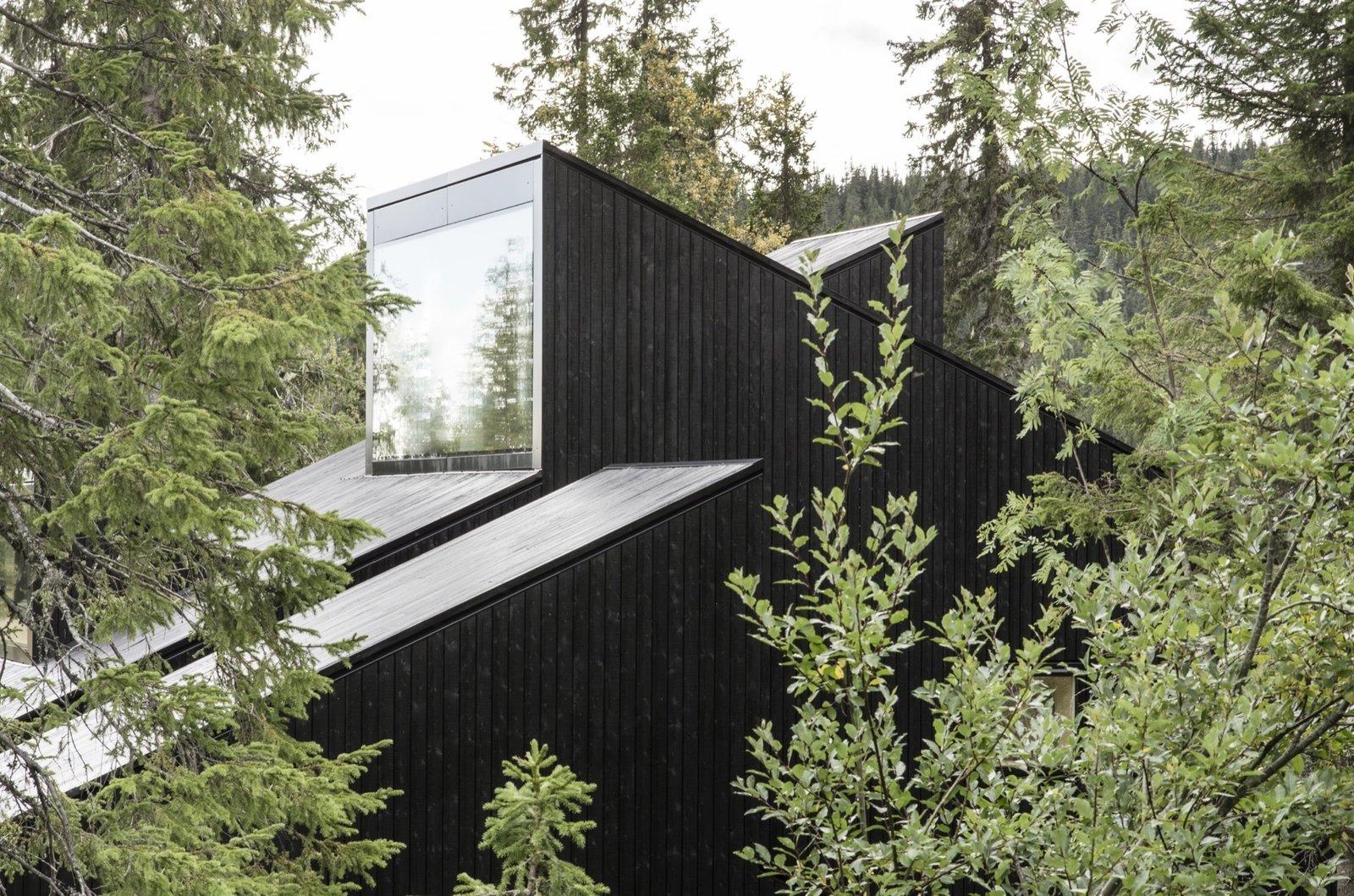 Photo 12 of 18 in The Vindheim Cabin: Snowbound in Norway