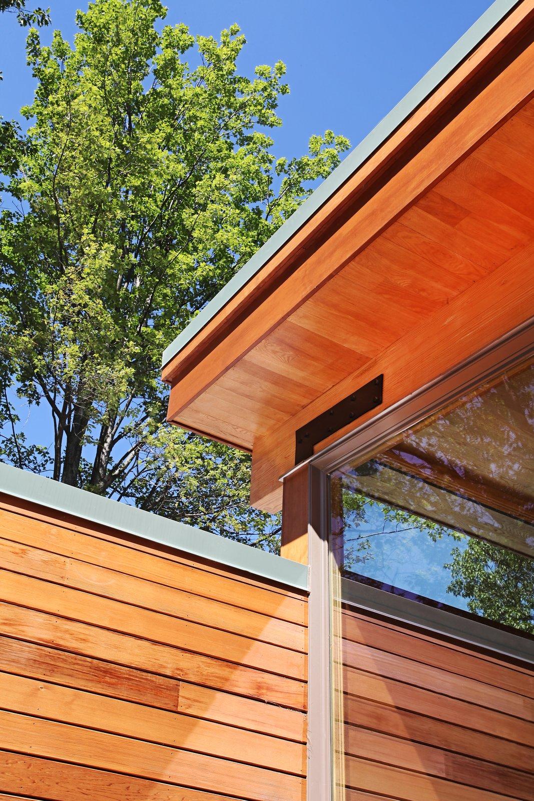 "Corner detail between sleeping ""bar"" and living ""pavilion""  Higgins Lake House by Jeff Jordan Architects"