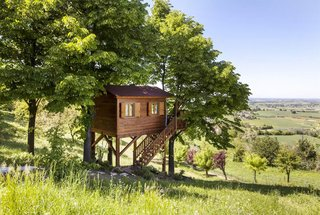 7 Breathtaking Tree Houses You Can Actually Rent on Airbnb - Photo 4 of 7 - A tree house hideout in the northern Italian hillside sounds like the perfect vacation. There's a swimming pool right on the property, so we suggest visiting during the warmer months when you can enjoy the sun. And wine tours through the gorgeous vineyards are always an option in Montferrat, rain or shine (but you should double-check before booking any tours).