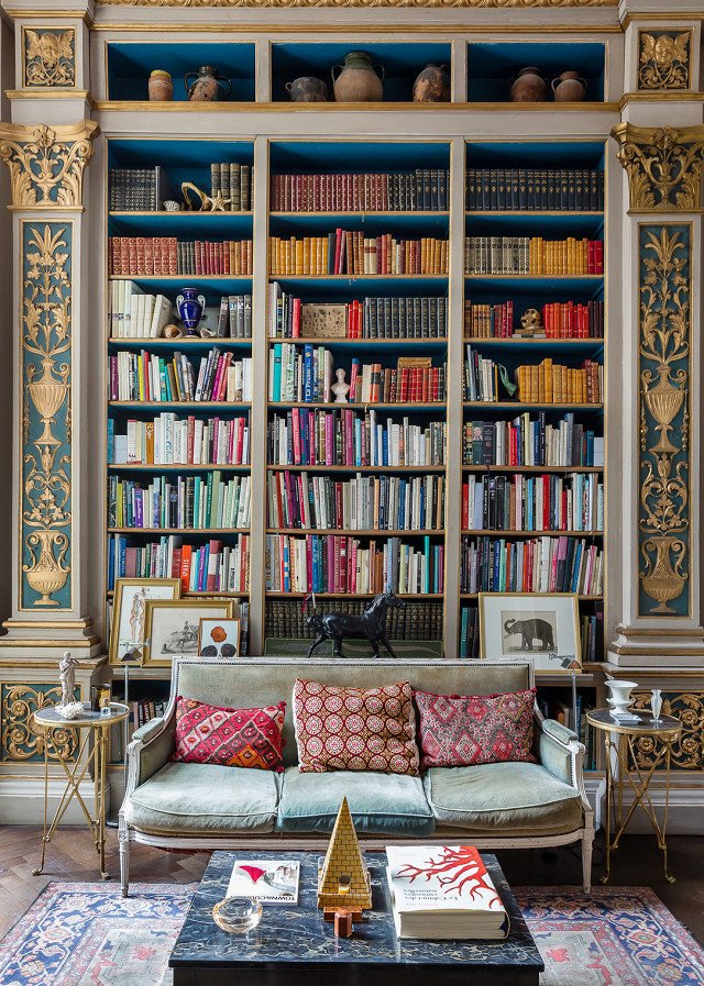 PHOTO: Courtesy of OneFineStay 9 Home Libraries We All Want to Curl Up in This Weekend - Photo 17 of 18
