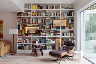 9 Home Libraries We All Want to Curl Up in This Weekend - Photo 1 of 18 - PHOTO: Amy Bartlam; DESIGN: North Design LA