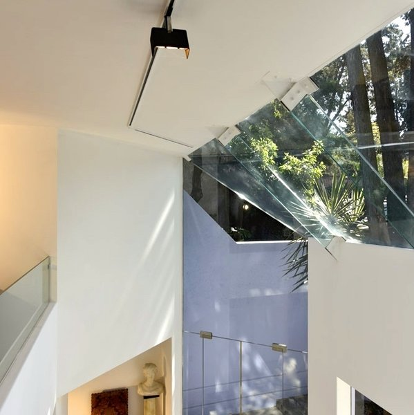 Split level from Master Bedroom balcony Photo 6 of Casa Lila modern home