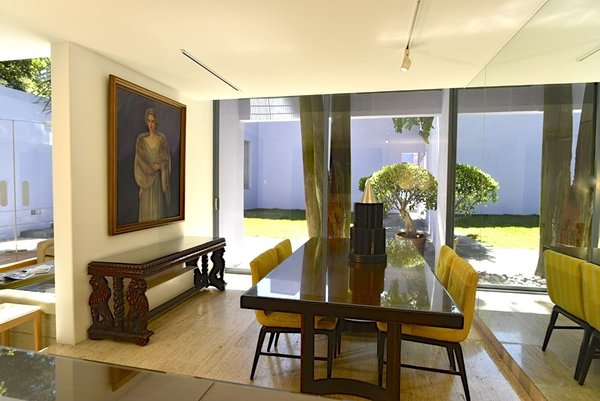 Dining room and garden view Photo 7 of Casa Lila modern home