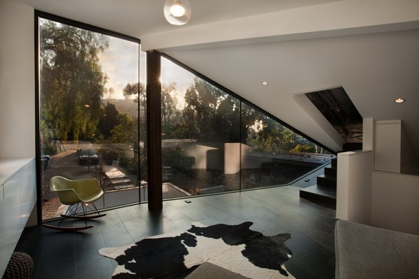 Photo 9 of Manifold House modern home