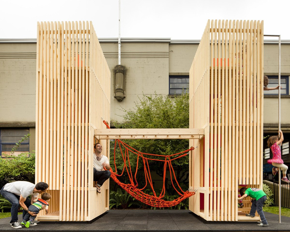 Sam + Pam is a compact playhouse with a minimal aesthetic. These two hollow pallet structures provide plenty of room for children to take turns crossing the rope bridge that join them. Even more impressive is its ability to fit in a 8 square feet space.