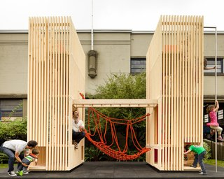 Sam + Pam is a compact playhouse with a minimal aesthetic by the Office of McFarlane Biggar Architects + Designers Inc. These two hollow pallet structures provide plenty of room for children to take turns crossing the rope bridge that joins them. Even more impressive is its ability to fit in a eight-square-foot space.