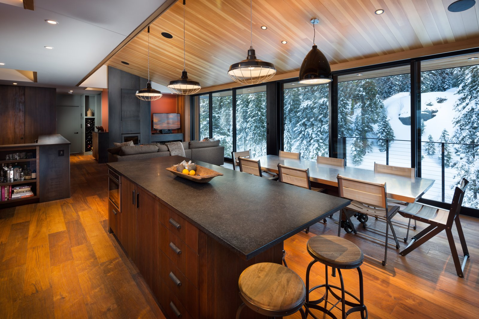 Kitchen and Family Room  New Tahoe by Studio Bergtraun Architects