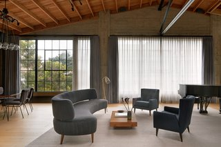 "A Knitting Mill in San Francisco Becomes an Unbelievable Loft For Two Art Collectors - Photo 12 of 13 - Both the architects and the homeowners credit Steven Volpe Design for the success of this project. ""Steven is a wonderful interior designer,"" says the homeowner. ""Every place he designs looks different. Each object is unique, and the fabrics are beautiful."""