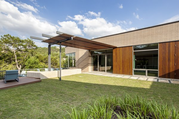 Photo 11 of Scout Island Residence - A Masterpiece by alterstudio modern home