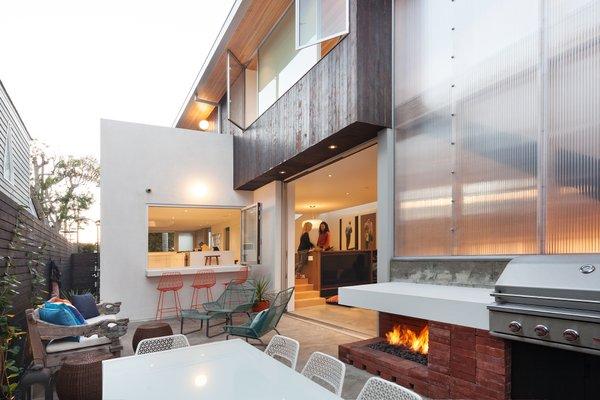 Photo 9 of Grandview House modern home