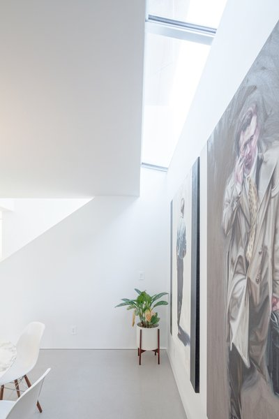 Photo 7 of Grandview House modern home