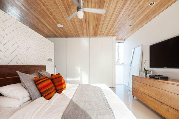 Photo 3 of Grandview House modern home