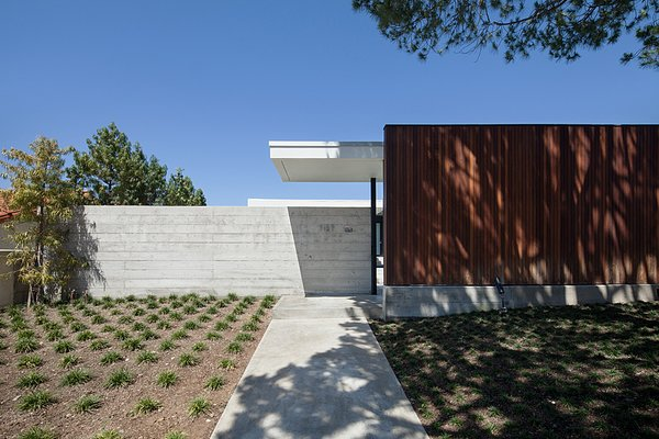 Photo 5 of Henbest House modern home