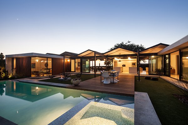 Photo  of Henbest House modern home