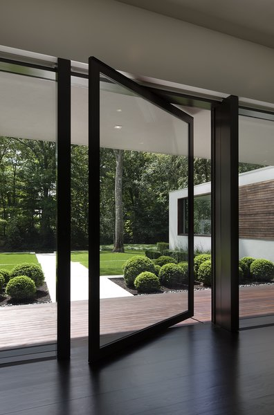 Photographer: Elizabeth Felicella Photo 9 of New Canaan Residence modern home