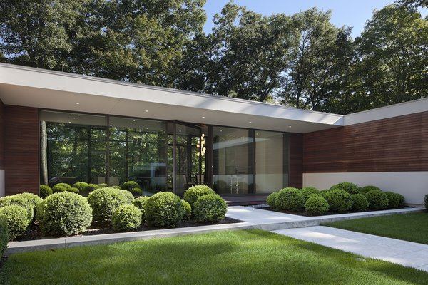 Photographer: Elizabeth Felicella Photo 8 of New Canaan Residence modern home