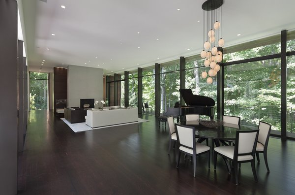 Photographer: Elizabeth Felicella Photo 2 of New Canaan Residence modern home
