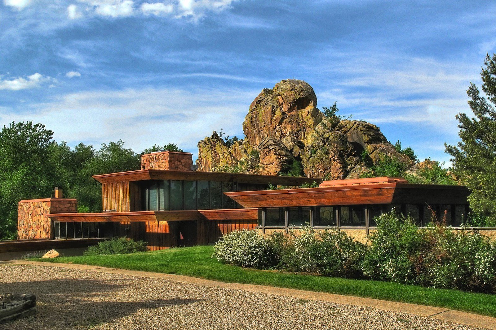 Menkick House by Charles Haertling. Boulder, CO  Modern Homes in Colorado by Luke Hopping