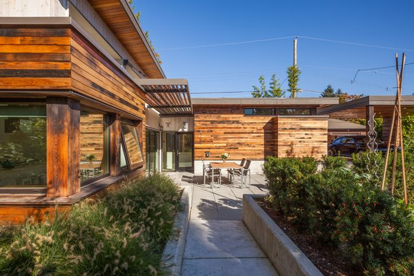 Photo 2 of 'Two Birds' Infill House modern home