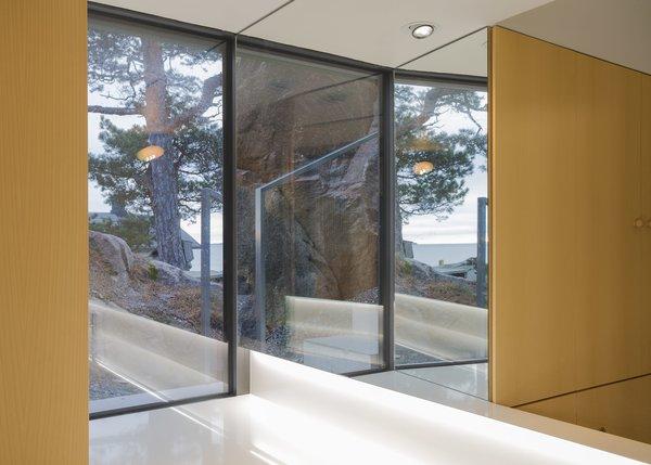 Photo 7 of Stormvillan modern home