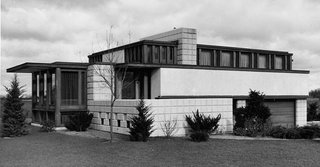 The John Whitman Residence, 1934. Alden B. Dow's Design earned him the Gold Medal Prize for the Best Residential Design in the World at the 1937 Paris Exposition