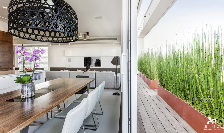 I like to design spaces that continued to outside www.dvirotem.co.il  Indoor - Outdoor spaces by Liat Dvir-Rotem