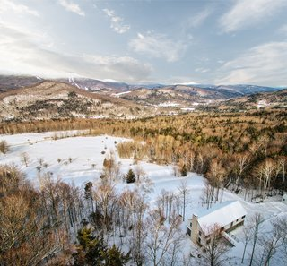Top 5 Homes of the Week That Double as Winter Retreats - Photo 5 of 5 -